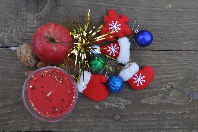 Un montón de los elementos del día de fiesta de la Navidad fotos de archivo