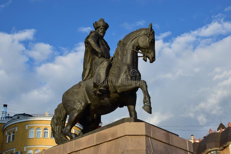 Un monumento a Kenesary Khan a Astana immagine stock