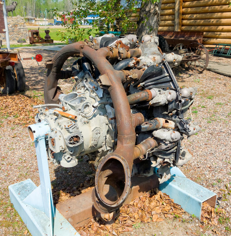 Un motor de avión radial viejo en un museo al aire libre en Canadá imagen de archivo