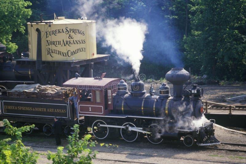 Un motore a vapore dello scartamento normale in Eureka Springs, Arkansas fotografia stock libera da diritti