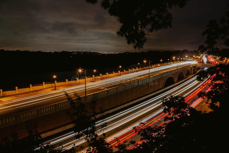 Un mouvement rapide du trafic dans NYC image stock