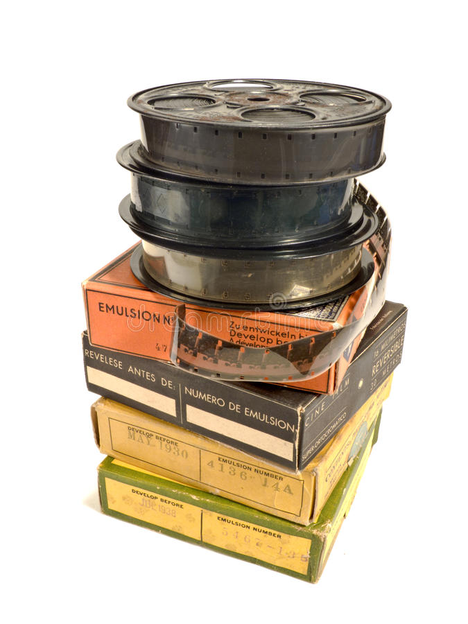 Un mucchio delle pellicole di 16mm e delle sue caselle fotografie stock libere da diritti