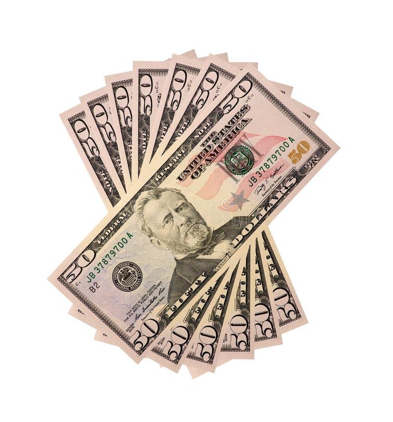 Un mucchio di cinquanta fatture degli Stati Uniti del dollaro isolate su fondo bianco fotografia stock libera da diritti