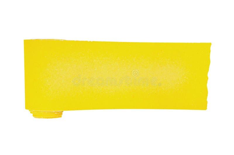 Un nuevo rollo de papel de lija abrasivo amarillo para los artículos de madera o del metal de la rejilla aislados en el fondo bla imagen de archivo libre de regalías
