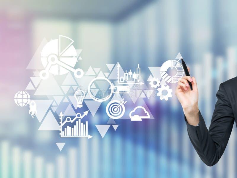 Un organigramme d'affaires est tracé sur l'écran en verre Une main précise l'élément essentiel dans le plan illustration de vecteur