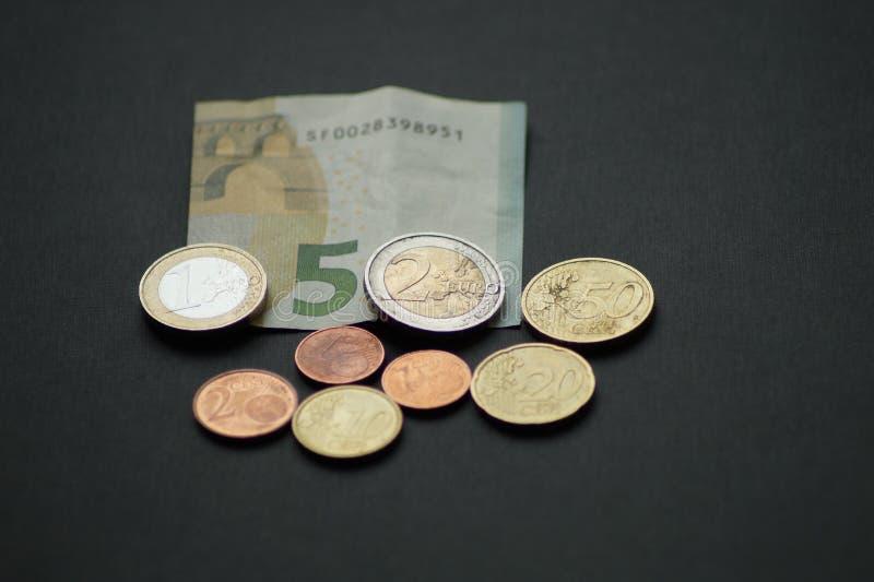 Un pacchetto di monete dell'euro centesimo immagini stock libere da diritti