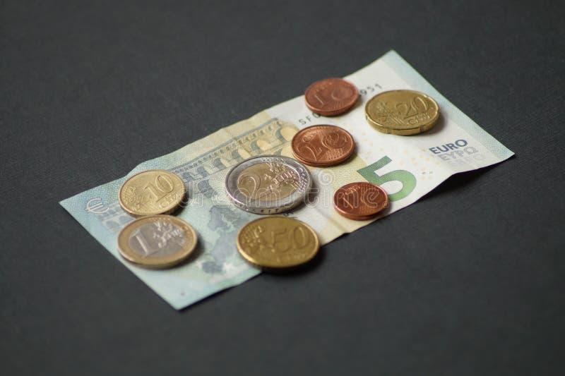 Un pacchetto di monete dell'euro centesimo fotografia stock libera da diritti