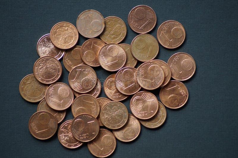 Un pacchetto di monete dell'euro centesimo fotografia stock