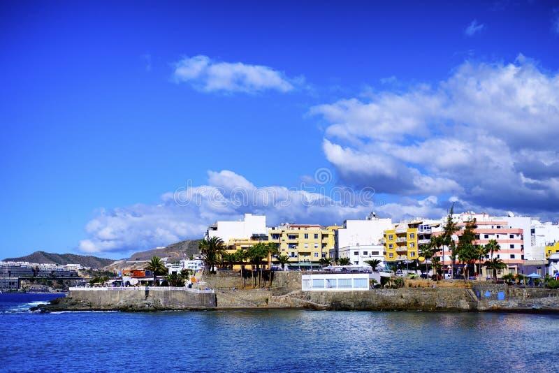 Un paesaggio costiero da Arguineguin in Gran Canaria fotografie stock