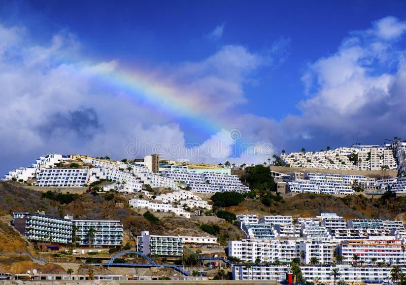 Un paesaggio costiero da Puerto Rico in Gran Canaria fotografia stock libera da diritti