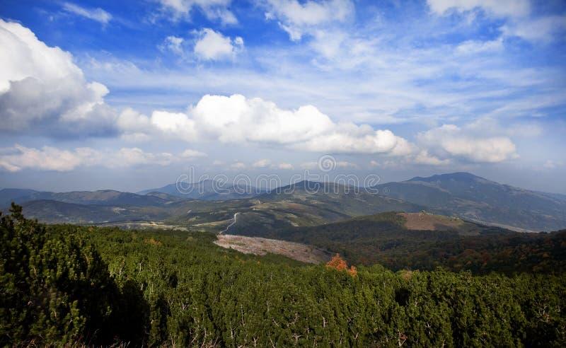 Un paesaggio della montagna fotografia stock