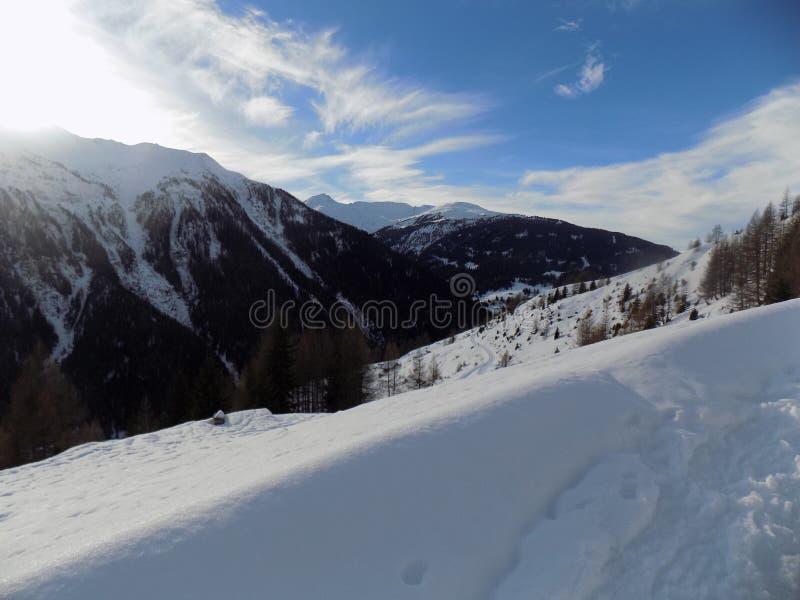 Un paesaggio meraviglioso della montagna immagini stock libere da diritti