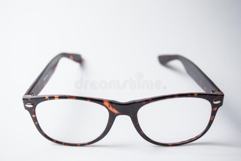 Un paio degli occhiali marroni d'avanguardia immagini stock