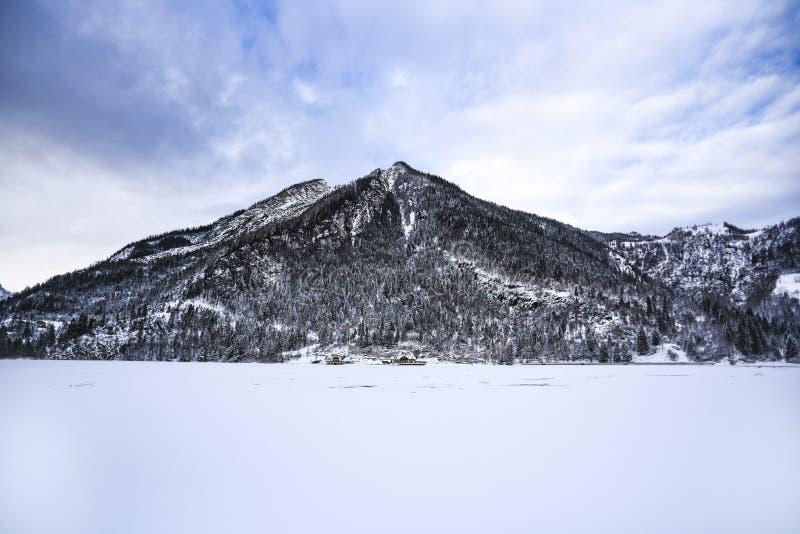 Un paisaje de la montaña del invierno Dolomías en Italia fotografía de archivo libre de regalías
