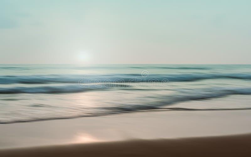Un paisaje marino abstracto con el fondo de filtrado borroso del movimiento fotografía de archivo libre de regalías