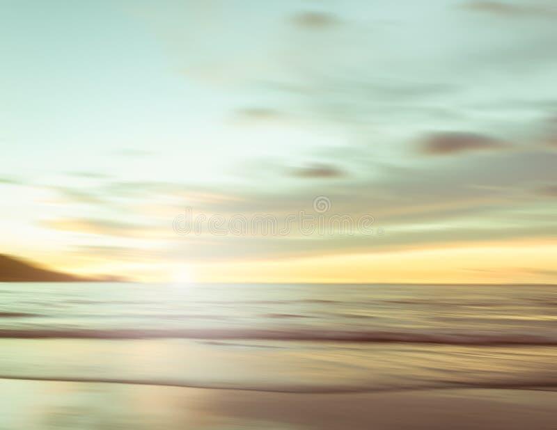 Un paisaje marino abstracto con el fondo de filtrado borroso del movimiento fotos de archivo