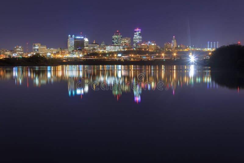 Un paisaje urbano de Kansas City, Missouri fotografía de archivo libre de regalías
