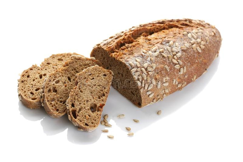 Un pan del pan ácimo con el primer de las semillas de girasol en un wh foto de archivo libre de regalías