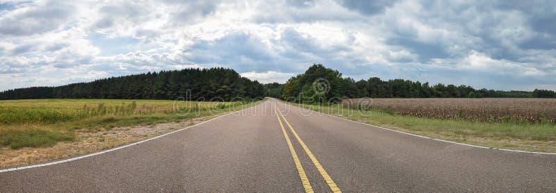 Un panorama agrícola del norte de Mississippi imagen de archivo