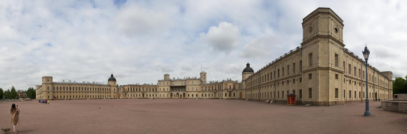 Un panorama di grande palazzo di Gatcina fotografie stock