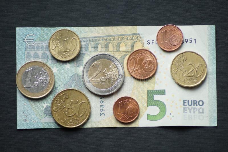 Un paquete de monedas del centavo euro fotografía de archivo libre de regalías