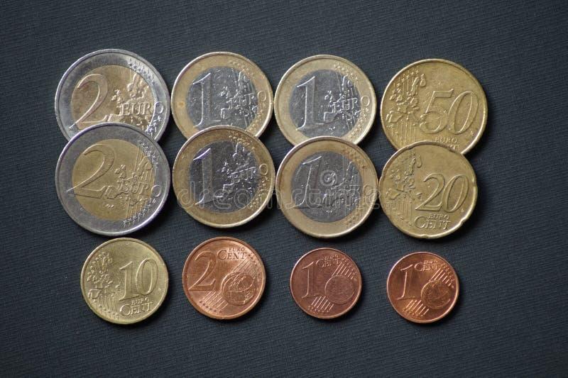 Un paquete de monedas del centavo euro imagenes de archivo