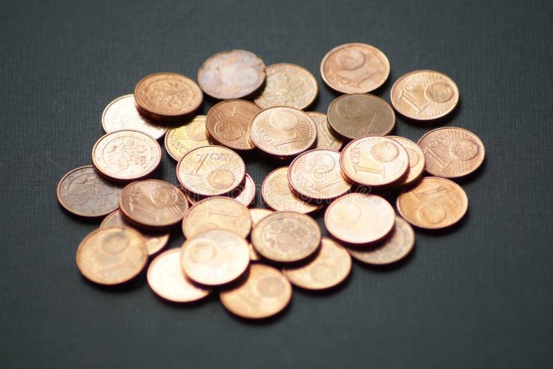 Un paquete de monedas del centavo euro fotos de archivo