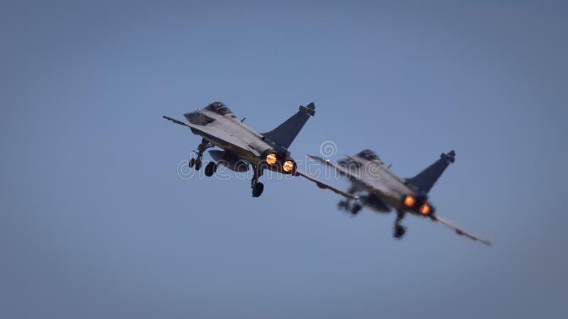 Un par de aviones de combate de Dassault Rafale foto de archivo libre de regalías