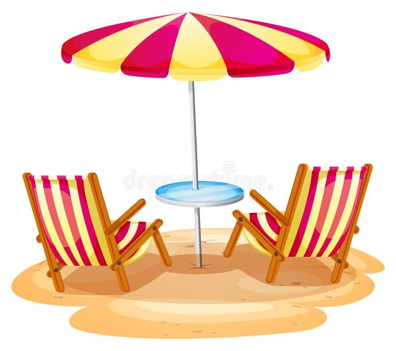 Un parasol de playa de la raya y las dos sillas de madera stock de ilustración