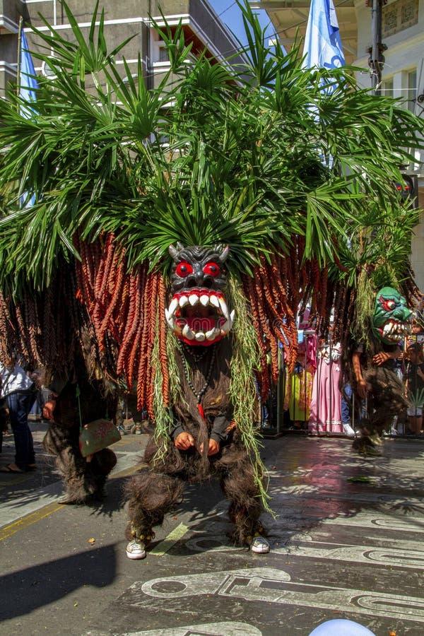 Un participant de carnaval au festival 2019 de l'Asie Afrique photos stock