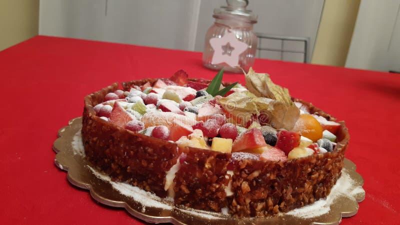 Un pastel bávaro con mucha fruta fotografía de archivo