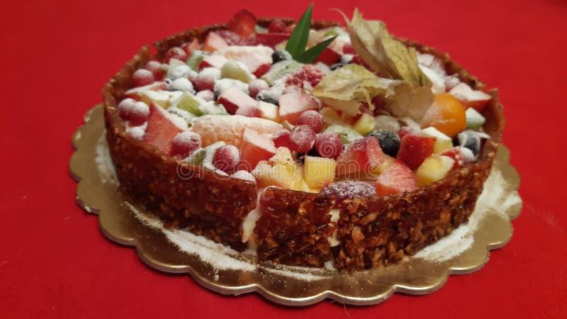 Un pastel bávaro con mucha fruta fotos de archivo