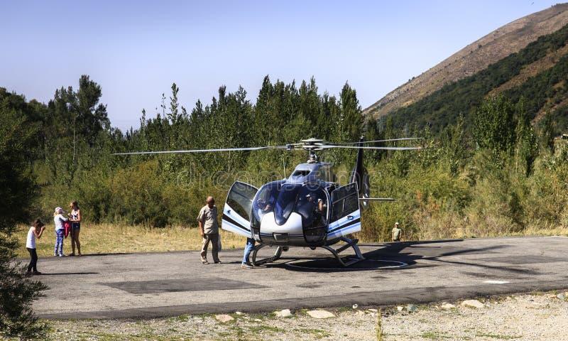 Un pequeño helicóptero fotos de archivo libres de regalías