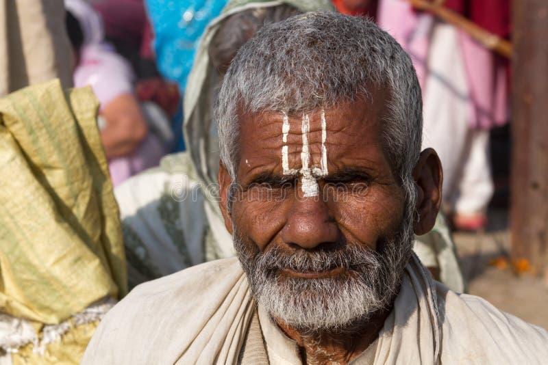 Download Un Peregrino Hindú En El Kumbha Mela, La India Foto de archivo editorial - Imagen de asiático, barba: 42434458