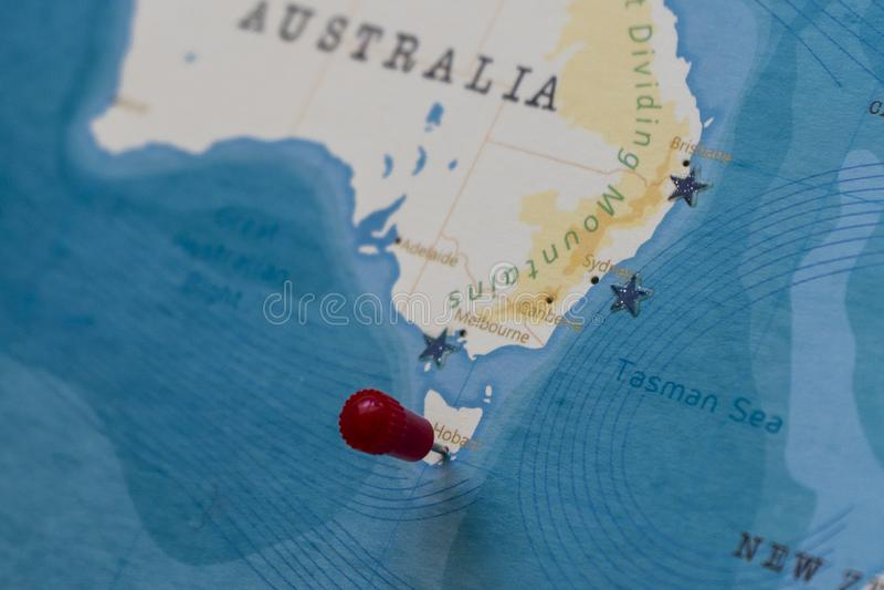 Un perno su Hobart, Australia nella mappa di mondo fotografia stock