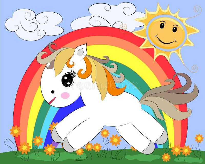 Un petit poney blanc de bande dessinée sur une clairière avec un arc-en-ciel, fleurs, le soleil illustration libre de droits