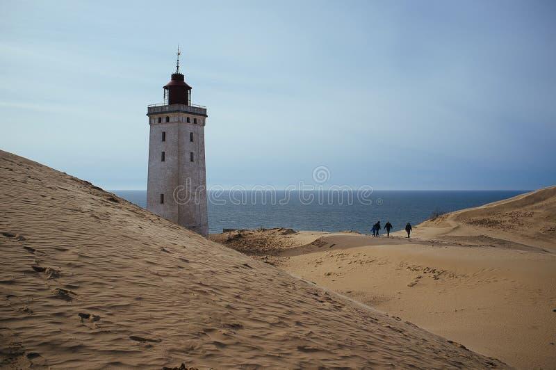 Un phare envahi par un sable migrateur dans Rubjerg Knude Danemark image libre de droits