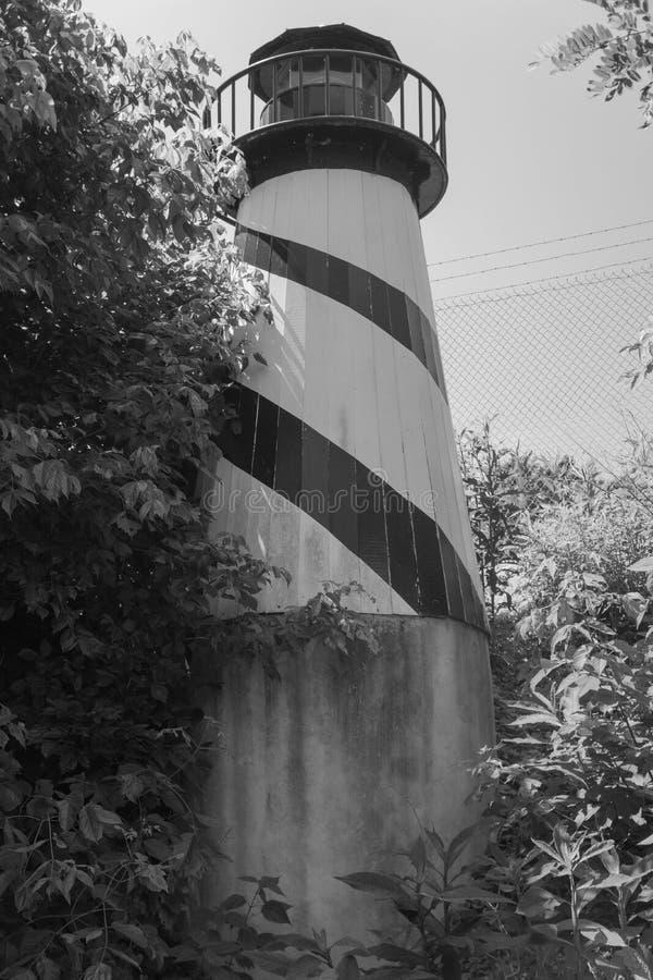 Un phare par un Greenway photo stock