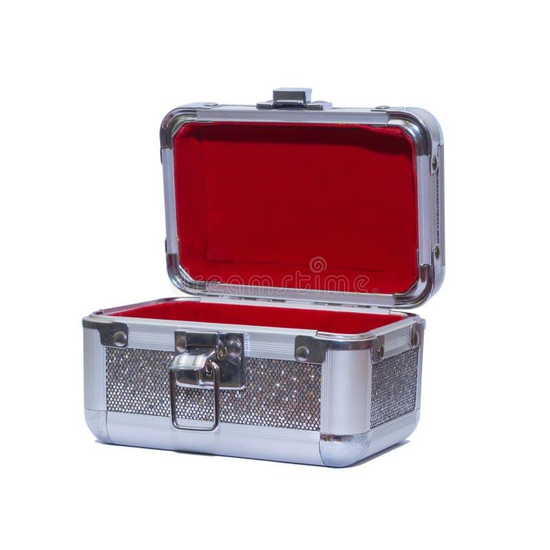 Un piccolo bello petto con un coperchio aperto per la conservazione dei gioielli fotografia stock libera da diritti