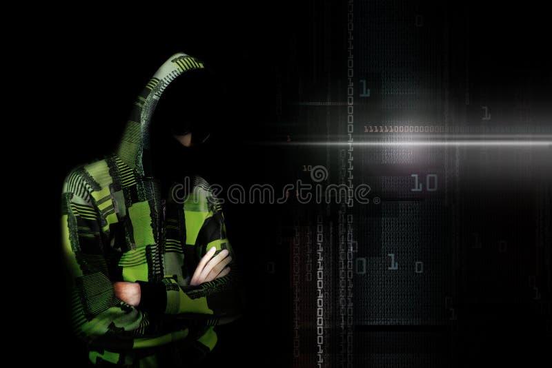 Un pirata informático anónimo en línea adulto de Internet con la cara invisible adentro stock de ilustración