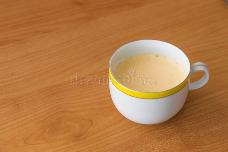 Un plato del mogel hecho en casa cremoso de Kogel foto de archivo
