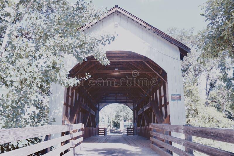 Un pont en bois admirablement construit 6 photographie stock libre de droits