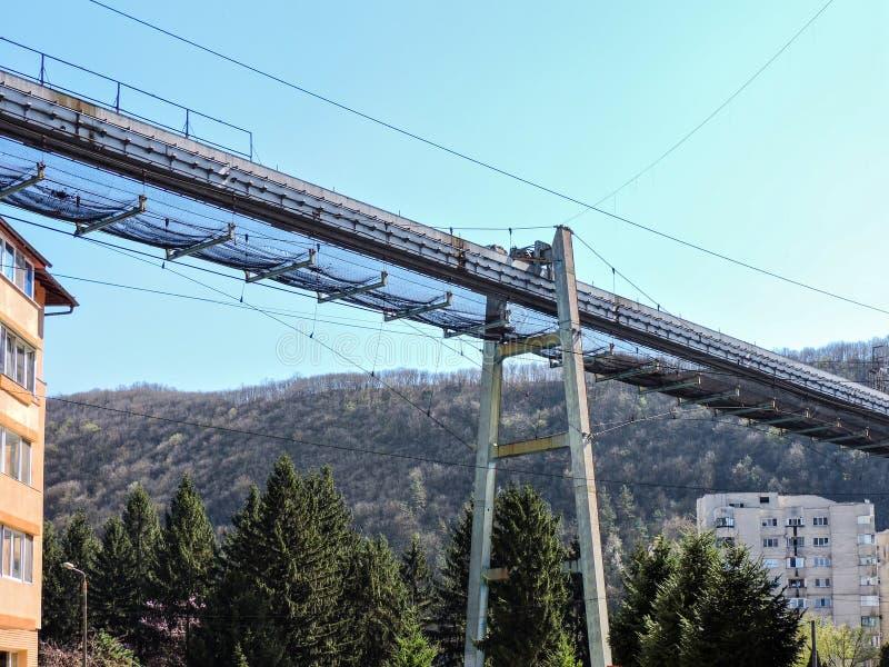 Un ponte industriale abbandonato del trasporto in Resita, Romania fotografia stock libera da diritti