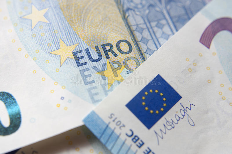 Un primo piano del dettaglio della banconota dell'euro 20 immagine stock libera da diritti