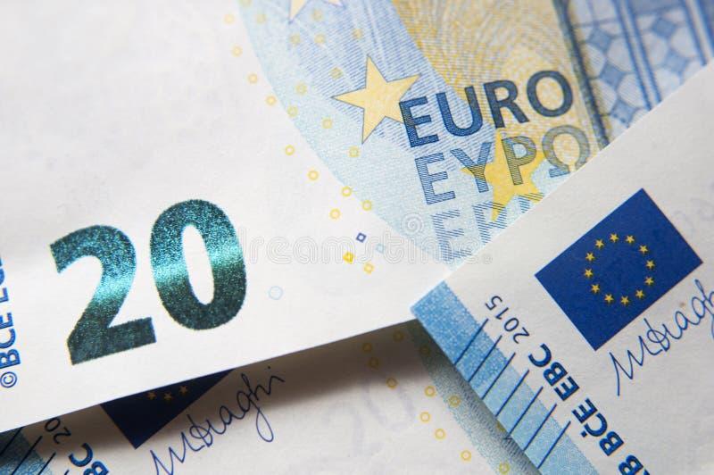 Un primo piano del dettaglio della banconota dell'euro 20 fotografia stock