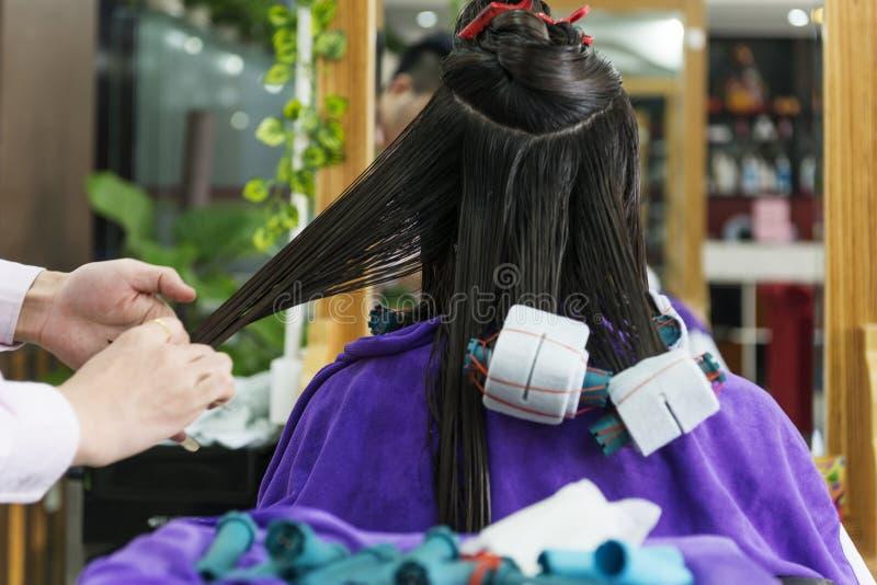 Un primo piano del salone di capelli fotografie stock libere da diritti
