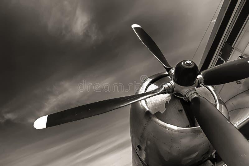 Un propulsor obsoleto viejo de los aviones foto de archivo libre de regalías