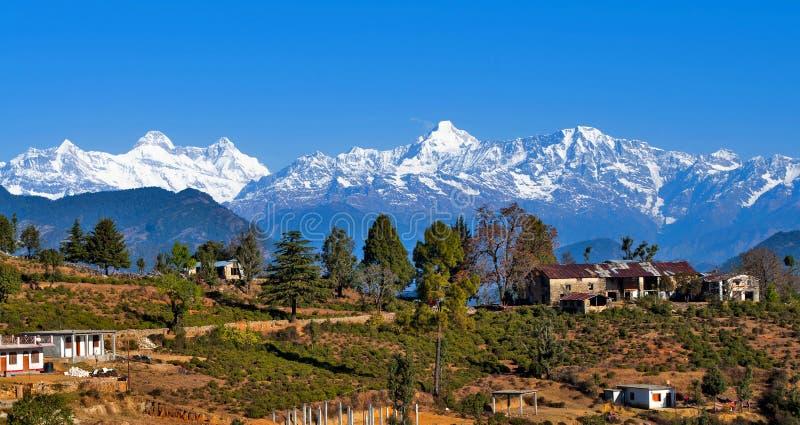Un pueblo en Himalaya foto de archivo