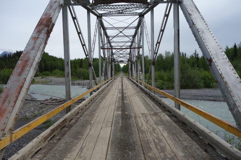 Download Un Puente Grande Sobre El Río Copper Foto de archivo - Imagen de flowing, actual: 41918402