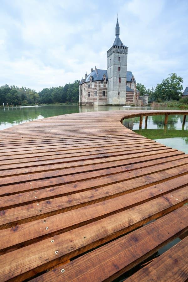 Un puente y el castillo de Horst imagen de archivo libre de regalías